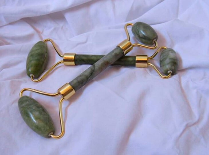 Jade Stone Face Roller